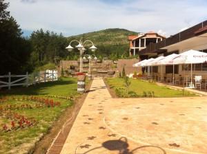 Лятна градина Хотелски комлекс Конак Момчилград