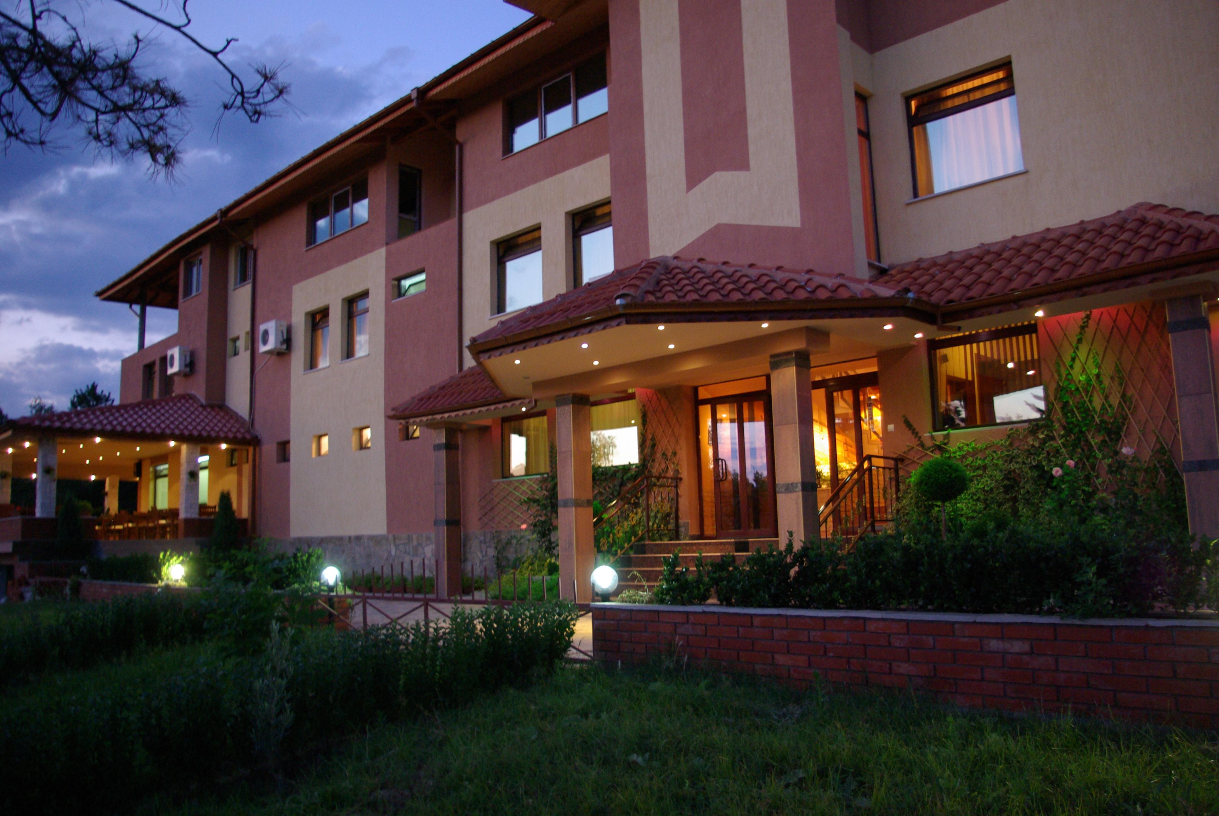 Хотелски комлекс Конак Момчилград